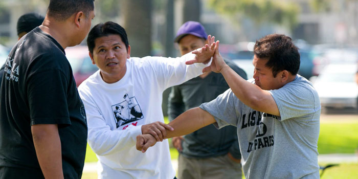 Contact Los Angeles Doce Pares Eskrima - Master Erwin Mosqueda
